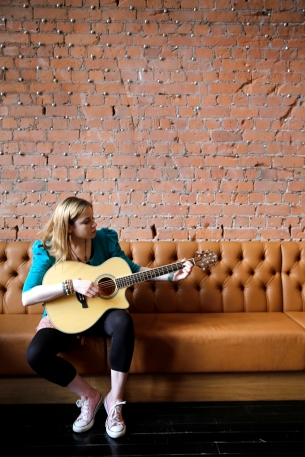 crafter_guitar_shoot_005